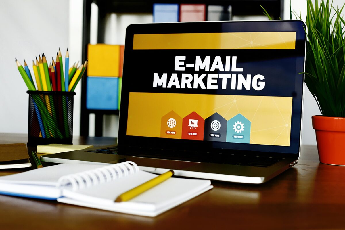 email-marketing-5937010_1920