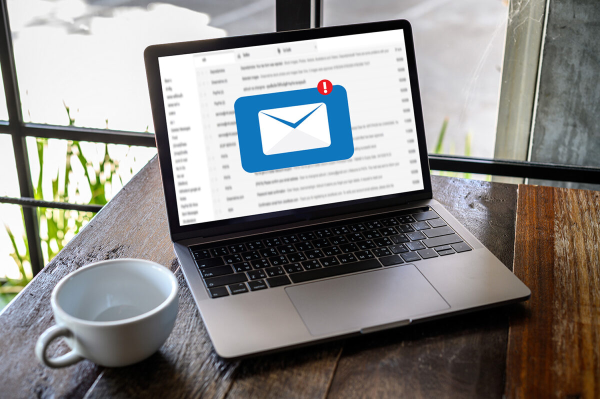 Mail Communication Connection message to mailing contacts phone