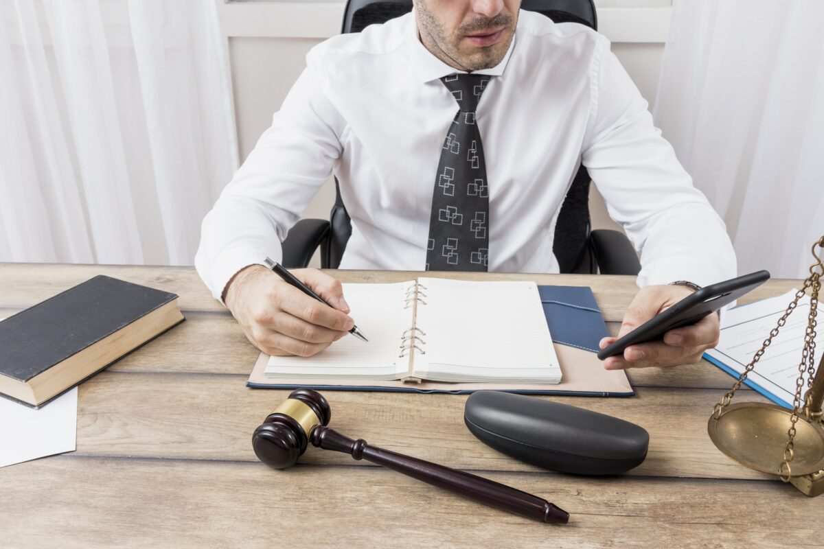 lawyer-with-smartphone-min