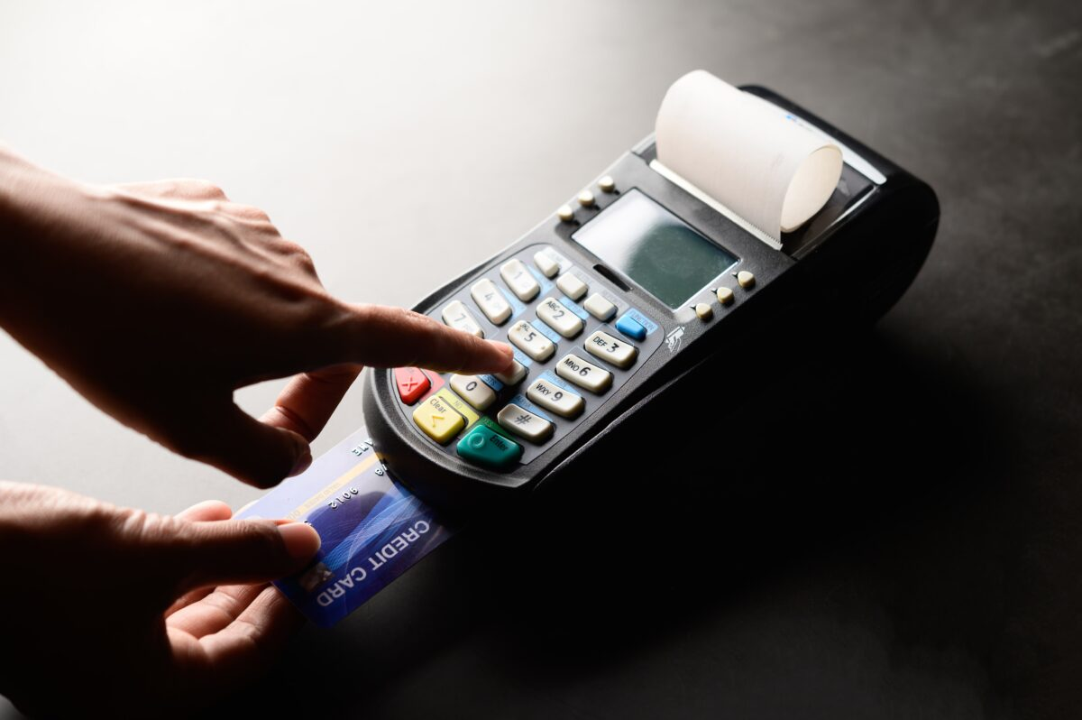 credit-card-payment-buy-and-sell-products-service (1)-min