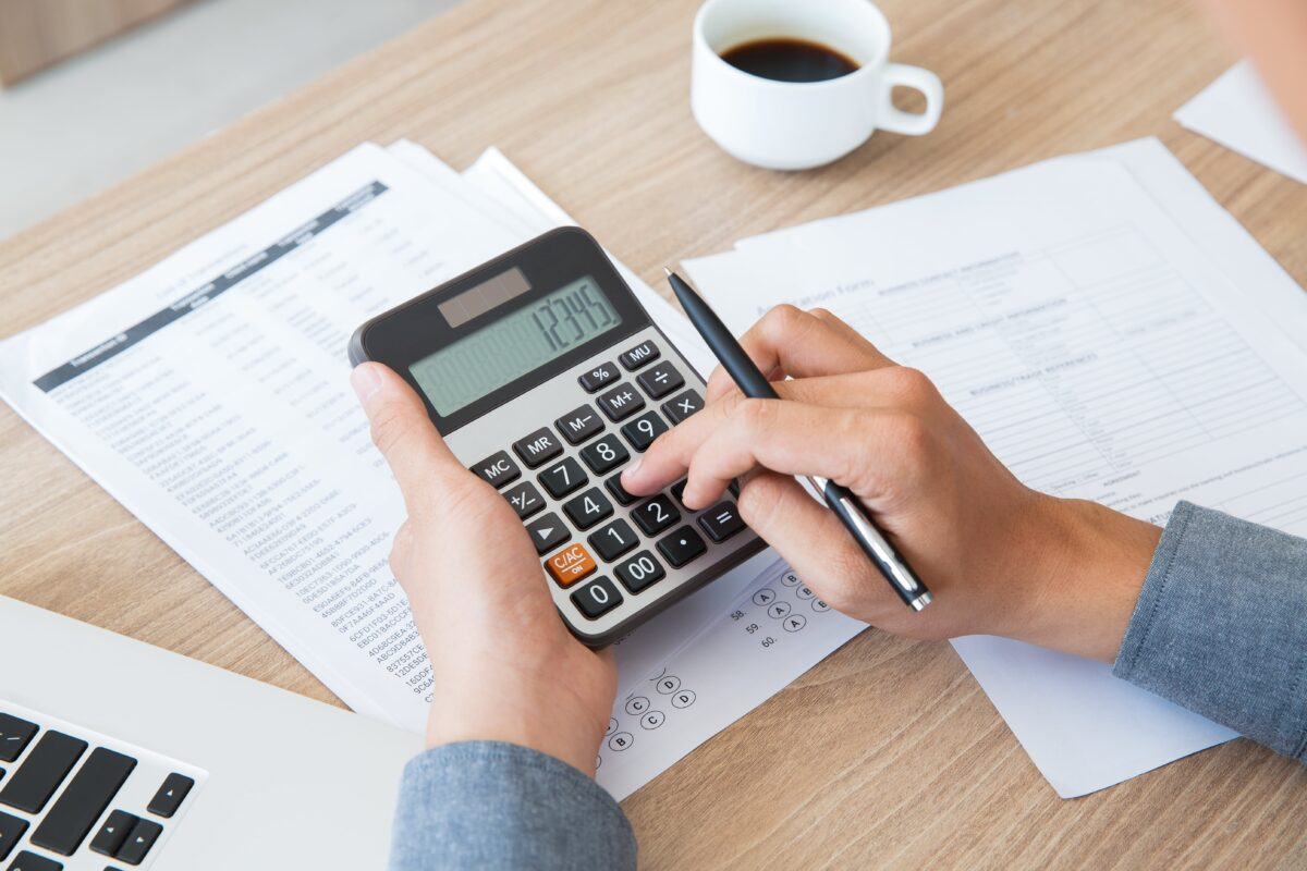 finance-accounting-paper-desk-using-min
